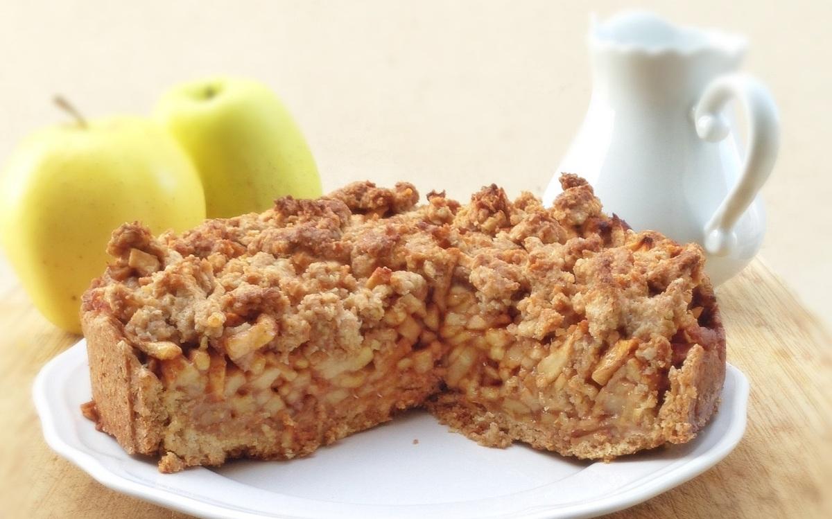 Tarta crumble de manzana y avena